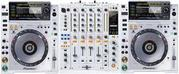 White Limited Edition 2 X Pioneer CDJ-2000 + Pioneer DJM-900 Mixer